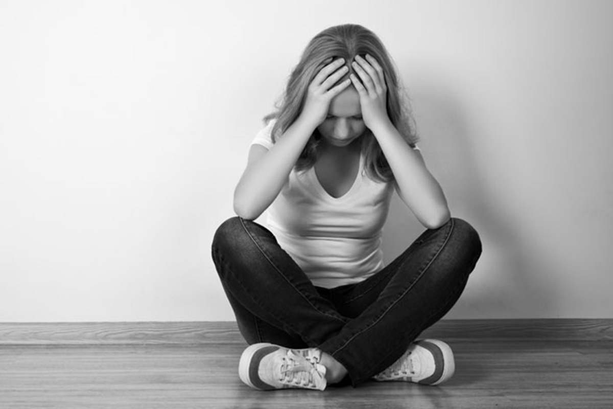 the issue of loss and depression Depression is a constant feeling of sadness and loss of interest, which stops you doing your normal activities  rural issues - alcohol and depression.