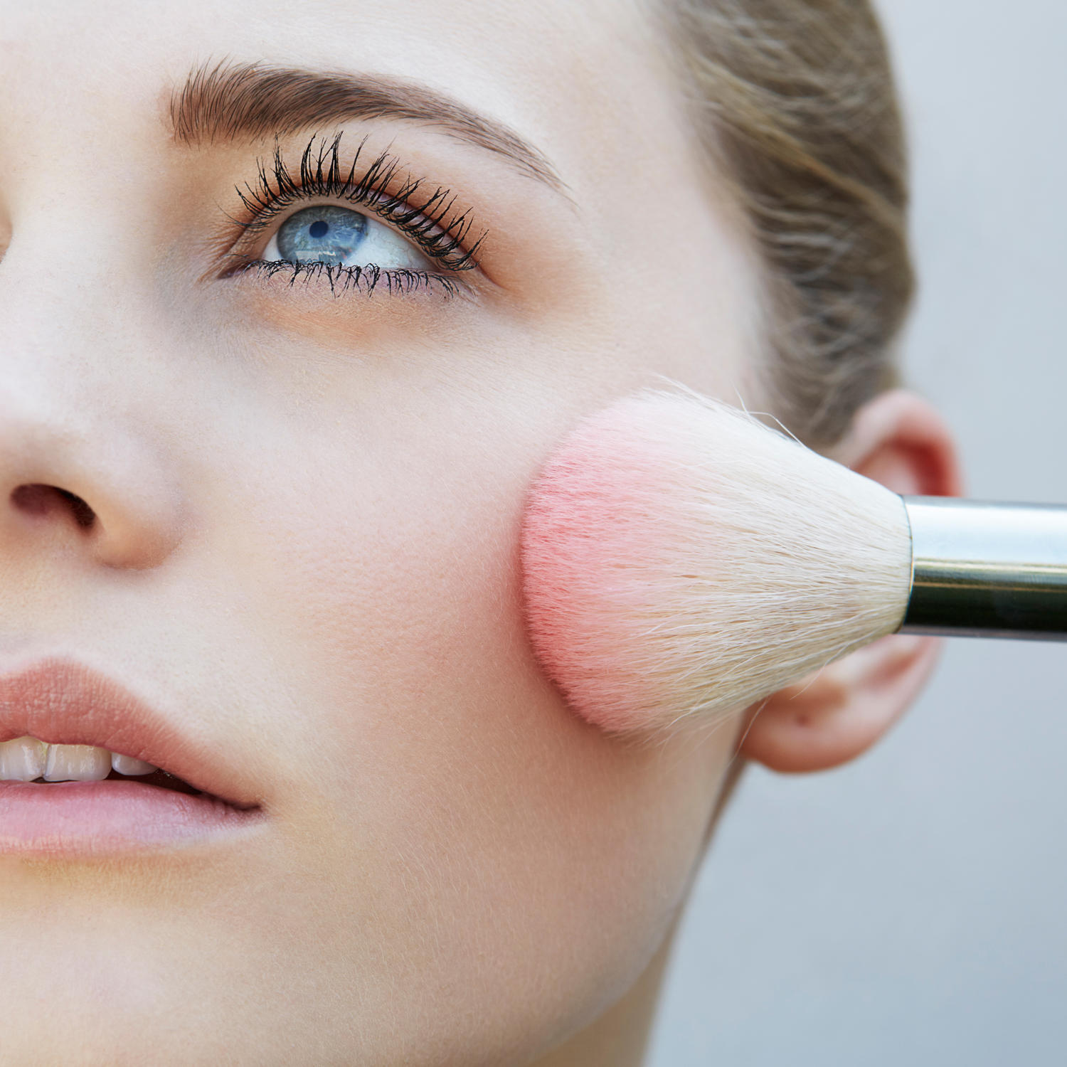 The Best Blushes to Create a Natural Flush
