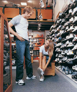 How to Shop For Running Shoes: 5 Tips to Find the Best Running ...