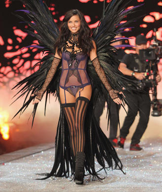 Adriana Lima in Victoria'-s Secret Angel Card Commercial - YouTube