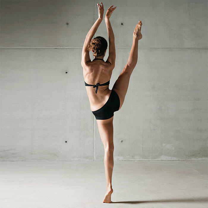 Sweet teen doing exercises before stiptease - 1 4