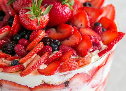 Healthy Fruit Desserts That Are Pinterest-Worthy Pretty