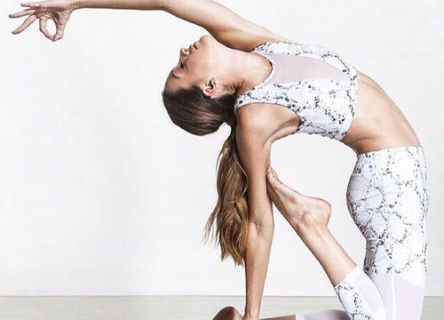 These Yoga Instagrammers Give Us Serious ZENspiration