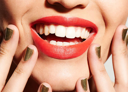 Brilliant Solutions to All of Your Holiday Beauty Problems