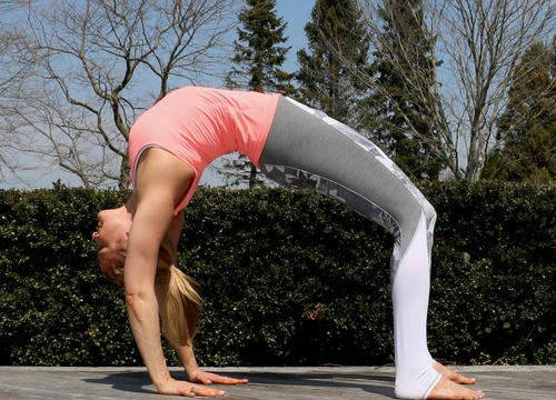 Spring-Friendly Yoga Poses That Make You Feel Lighter and More Open