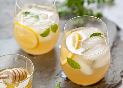 Healthy Lemonade Cocktails That Pack a Refreshingly Sweet Bite