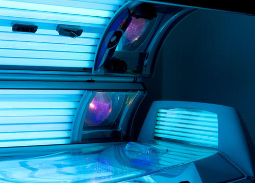 A New Study Finds That an Age Restriction On Tanning Beds Would Save Lives