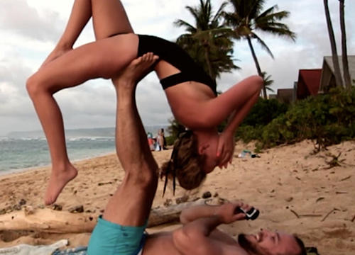 These Yoga Proposals Are Just As Impressive As They Are Adorable