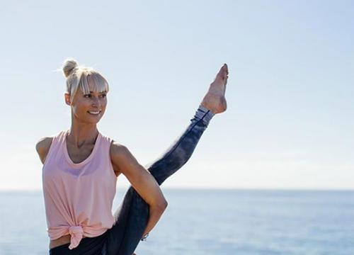 6 Ways @activeyogi Is Dominating the Yoga Pose Game