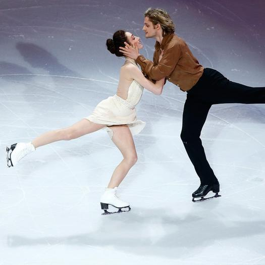 Are They or Aren t They Dating The Hottest Olympic Ice Skating Partners