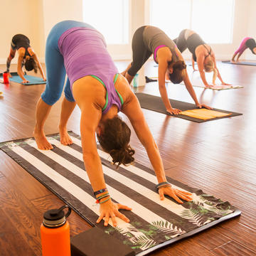 Yoga for Beginners: Tips for Your First Yoga Class