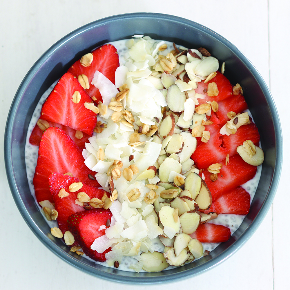 1000-Strawberry-Coconut-Chia-Pudding-Bowl-junk-food.jpg