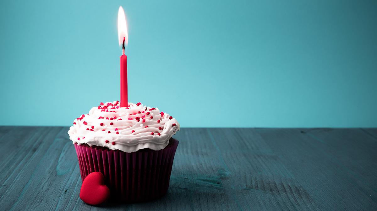 1200-birthday-cupcake.jpg