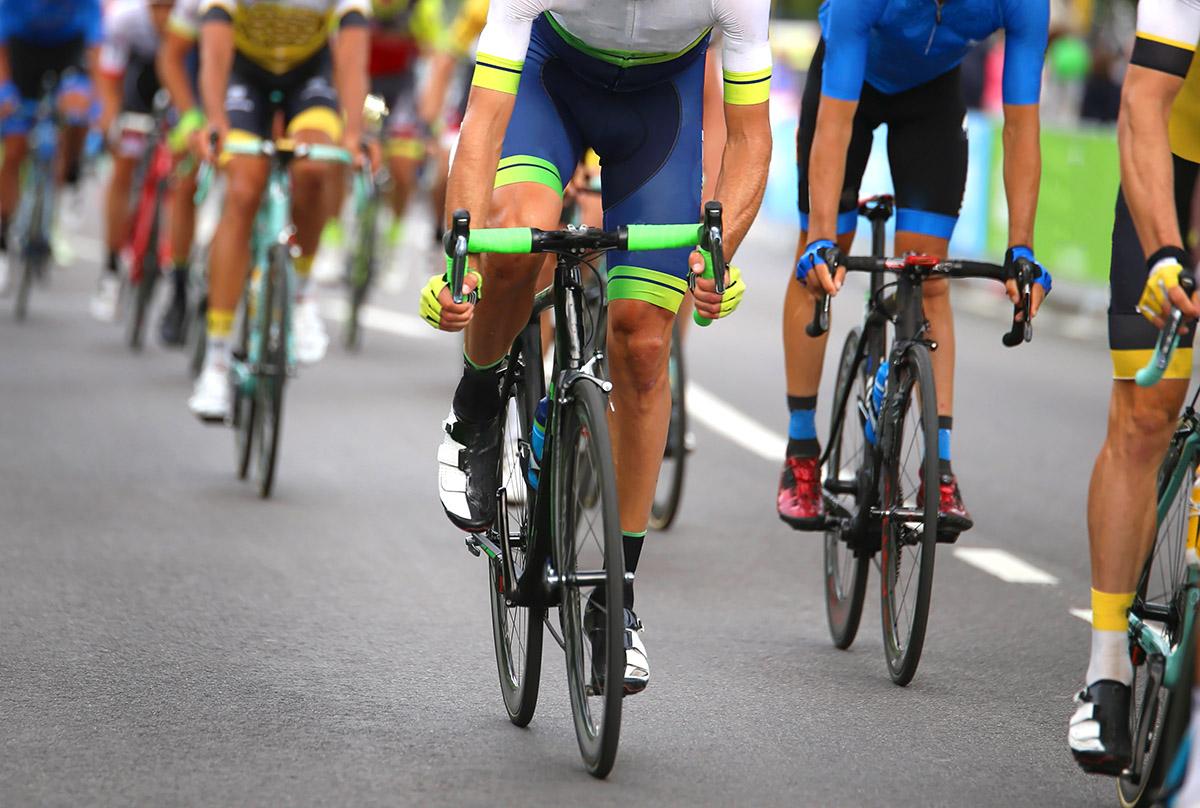 1200-cyclists-in-race.jpg