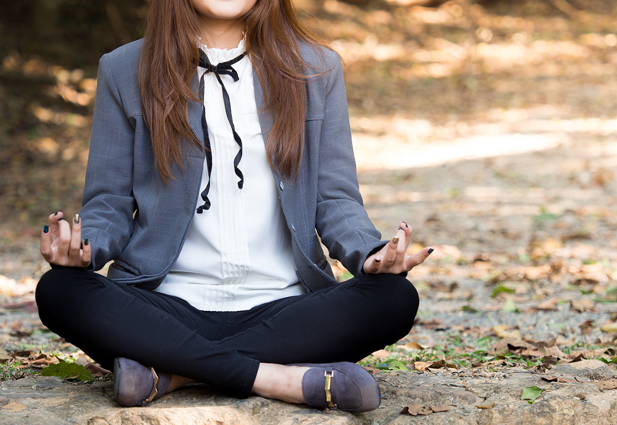 1200-professional-woman-meditating.jpg