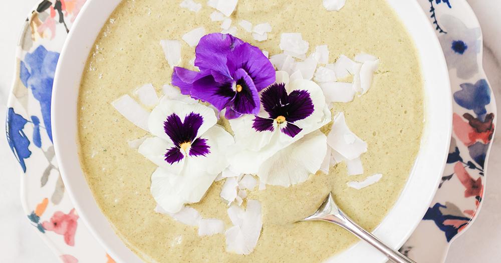 wide-kiwi-collagen-smoothie-bowl.jpg
