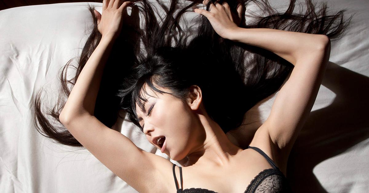 nude-hd-having-an-orgasim