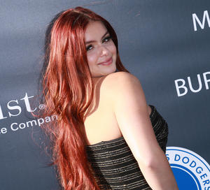 Please Stop Making Ariel Winter Defend Her Wardrobe Choices