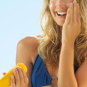 This New Sunscreen Still Let's You Absorb Vitamin D