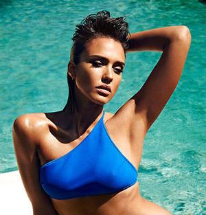 Jessica alba bikini butt — 10