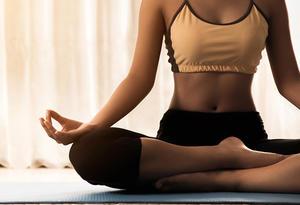 9f037397ddd30 Surprise! 31% Off Women's Gaiam Mindful Yoga Shorts, Size: XS, White