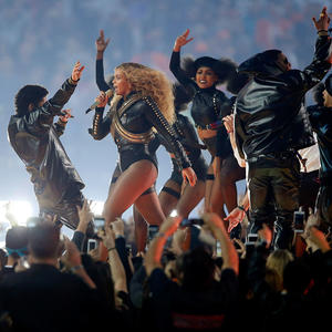 Genius Trainer Combines Beyonce and Step Aerobics for the Best Dance Cardio Class Ever