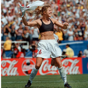 Brandi Chastain's Go-To Exercises for a 6-Pack