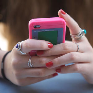 10 Texting and Tech Rules for the Modern Dater