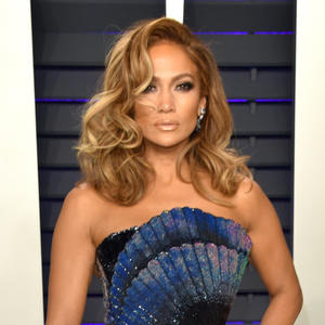 43f4f67af280d The $7 Product J.Lo's Makeup Artist Uses to Create Her Head-to-Toe Glow