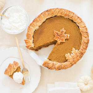 Kourtney Kardashian Shares Her Gluten-Free Pumpkin Pie Recipe