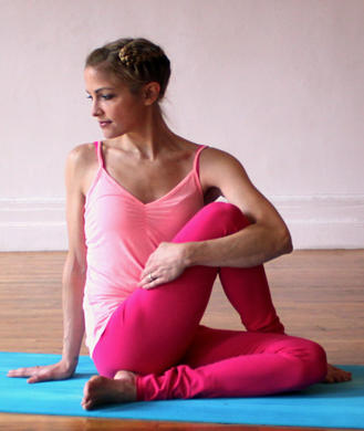 yoga poses to detox cleanse and improve digestion