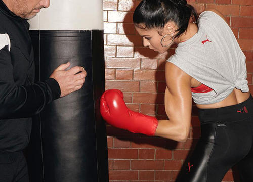 Adriana Lima Will Convince You to Finally Buy a Pair of Weightlifting Gloves
