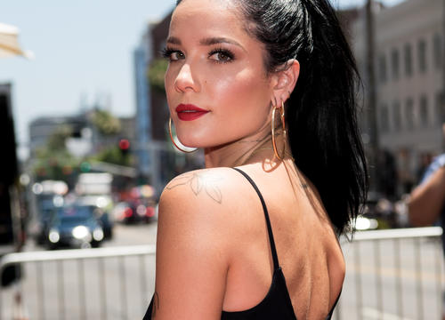 "Halsey Says the Pregnancy Rumors About Her Are ""Really Inappropriate"""