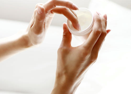 "There's a Difference Between ""Moisturizing"" and ""Hydrating"" Skin-Care Products"