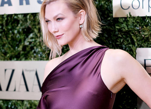 Karlie Kloss Uses These $3 Makeup Wipes Whenever She Travels