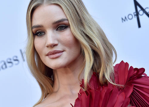 Rosie Huntington-Whiteley Swears By These 2 Products for Congestion Relief On Flights