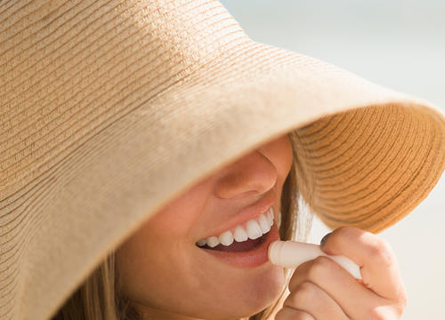 How to Prevent and Treat Sunburned Lips