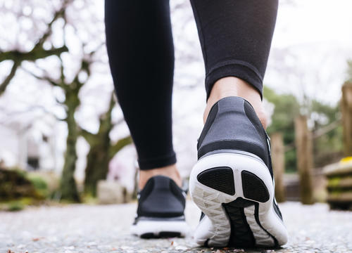 Try This Walking Butt Workout Next Time You're Taking a Stroll