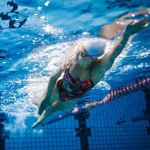 woman doing beginner swimming workout