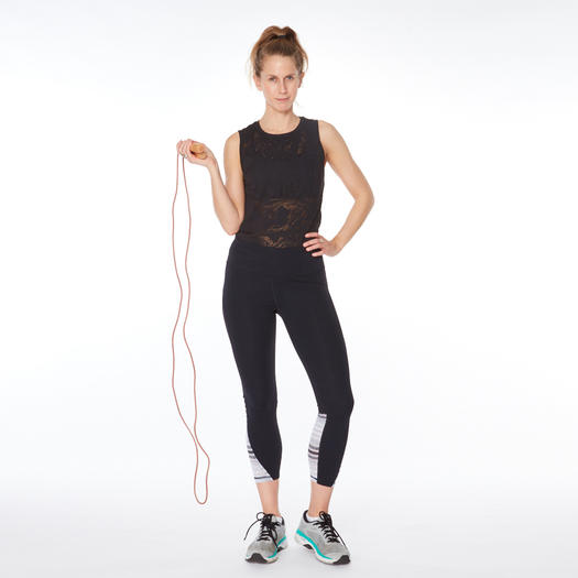 woman jumping rope as one of the best exercises and workouts for women