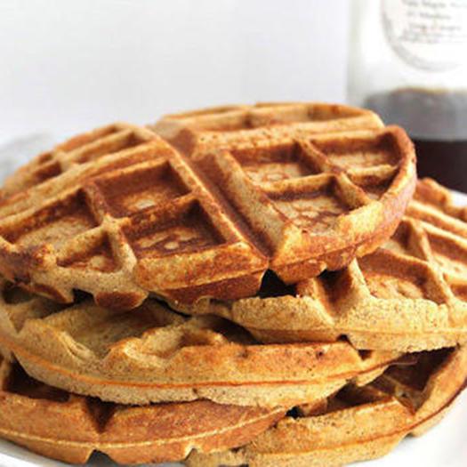 healthy cinnamon roll protein waffles