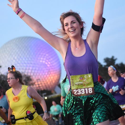woman running disney world race