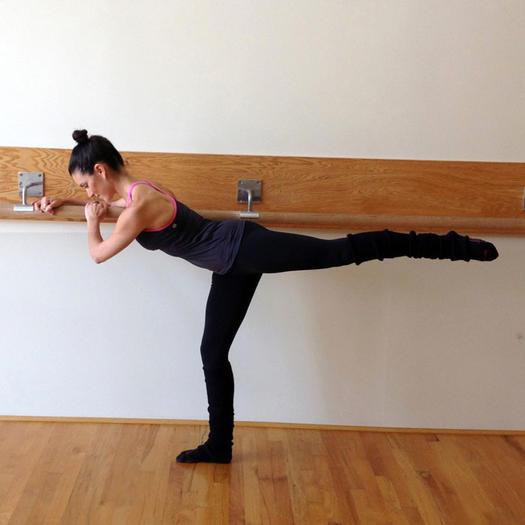 Allison Williams Core Fusion Barre Workout  Shape Magazine-5409