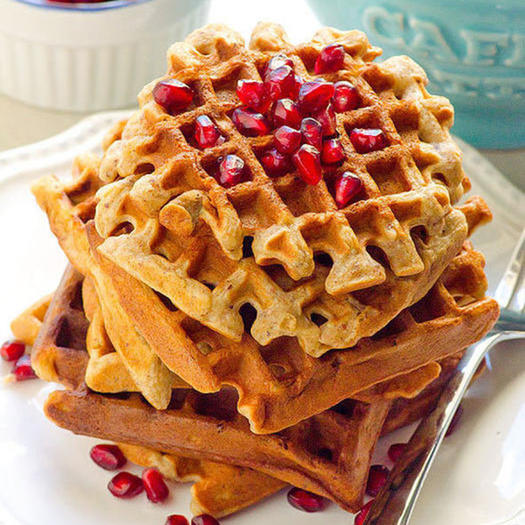 healthy almond flour waffles