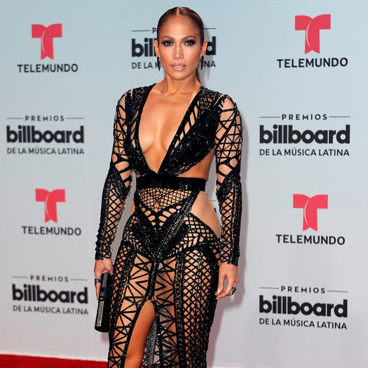2b4e625f31519 The Best J.Lo Fashion Looks That Show Off Her Toned Abs | Shape Magazine