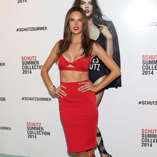 c00be5576cc Celebrity Photos: 25 Hot Celebrities with the Best Abs in Hollywood ...