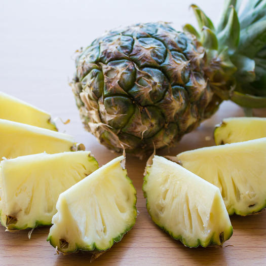 pineapple food to reduce bloat