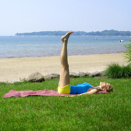yoga for beginners how to do shoulder stand yoga pose
