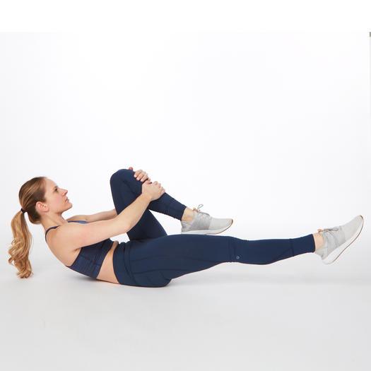 single leg stretch pilates abs workout exercise