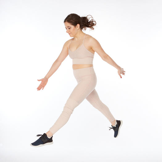 thigh-slimming exercise jump lunge